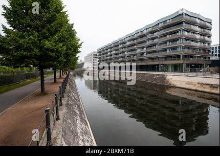 10.06.2019, Berlin, Germany, Europe - New upmarket residential and commercial building (KunstCampus) comprised of condominiums and commercial space.