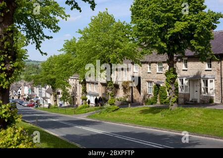 Cotswold cottages along The Hill, Burford, Cotswolds, Oxfordshire, England, United Kingdom