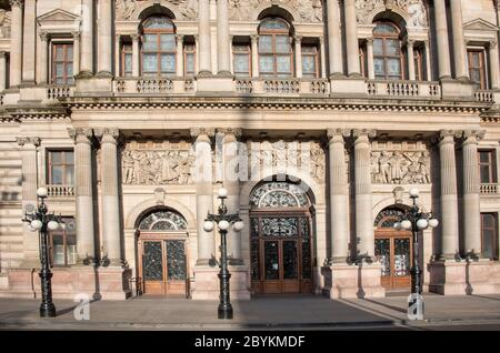 Glasgow City Chambers entrance at George Square, Glasgow, Scotland. - Stock Photo