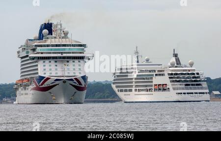 MV Britannia cruise ship of the P&O Cruises fleet setting ...