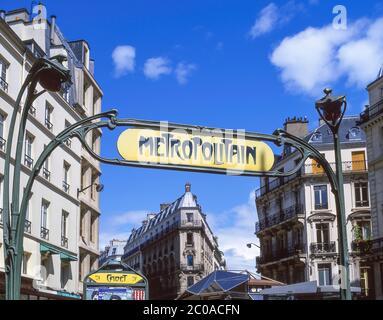 Entrance sign to Cadet Metropolitain metro line, Cadet, Paris, Île-de-France, France