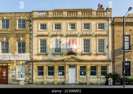 Grade II listed late 17th century Bank Chambers on Tuesday Market Place, King's Lynn was remodelled in the eighteenth century; now to let or for sale. - Stock Photo