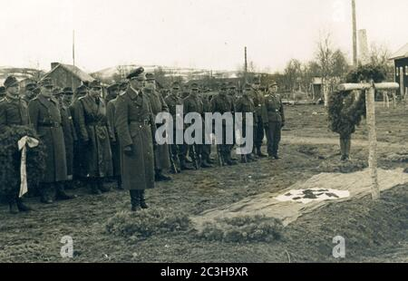 events, Second World War / WWII, Russia, behind the front, funeral of a German aviator who was killed in action, Eastern Front. - Stock Photo