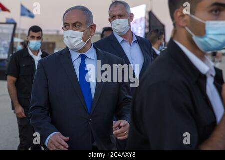 Hatzerim, Israel. 25th June, 2020. Israeli Prime Minister Benjamin Netanyahu, wearing a face mask to protect from COVID-19, attends a graduation ceremony for new pilots at Hatzerim air force base near the southern Israeli city of Beersheba, Israel, on Thursday, June 25, 2020. Photo by Ariel Schalit/UPI Credit: UPI/Alamy Live News - Stock Photo
