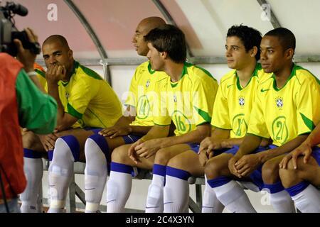 Brazil football reserves sitting on the bench during the friendly football game croatia - brazil in split 2005... Robinho, Alex... - Stock Photo