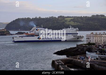 "Plymouth, UK. 29th July, 2020. Brittany Ferries ""Armorique"" returns to Plymouth for the first time since March, when sailings were cancelled due to Coronavirus. The ship is scheduled to make its first return sailing from Plymouth to Roscoff, France, at 22:00 tonight. Credit: Julian Kemp/Alamy Live News - Stock Photo"