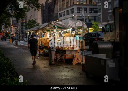 Fruit stand in the Chelsea neighborhood of New York on Sunday, June 28, 2020.  (© Richard B. Levine) - Stock Photo