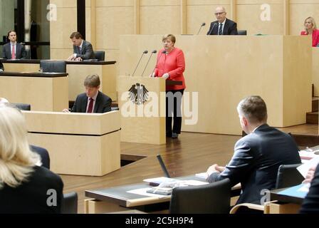 Berlin, Germany. 03rd July, 2020. Chancellor Angela Merkel (CDU, M) gives a speech in the Bundesrat on the objectives of the EU Council Presidency, Dietmar Woidke (SPD, top, 2nd from right), President of the Bundesrat, follows the speech. Credit: Wolfgang Kumm/dpa/Alamy Live News - Stock Photo