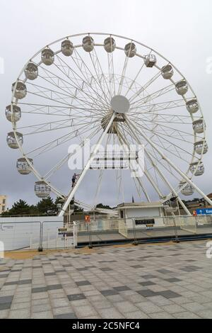 Bournemouth, Dorset UK. 4th July 2020. Checking out the Big Wheel, ferris wheel, at Pier Approach, Bournemouth before it reopens. Credit: Carolyn Jenkins/Alamy Live News - Stock Photo
