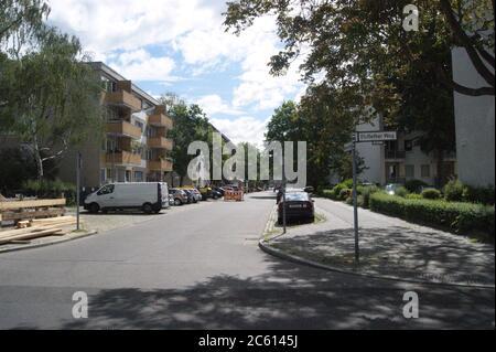 Die im Berlin-Spandauer Ortsteil Klosterfelde befindliche Straße trägt ihren Namen seit dem 18.11.1910 und hieß zuvor Straße 23 a.