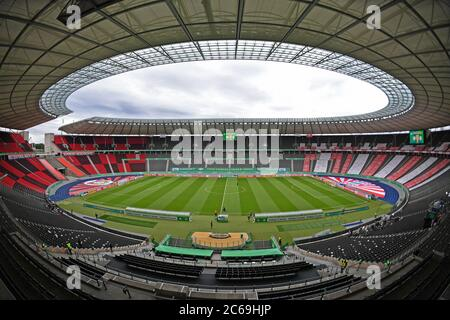 City Of Berlin, Deutschland. 04th July, 2020. firo Football, soccer: Cup final: season 2019/2020, 04.07.2020 DFB-Pokal final of men Bayer Leverkusen - FC Bayern Munich, Muenchen. Overview, stadium, ghost finale, without spectators, Olympiastadion Berlin Credit: Matthias Koch/POOL/via firosportphoto For journalistic purposes only! Only for editorial use! | usage worldwide/dpa/Alamy Live News - Stock Photo