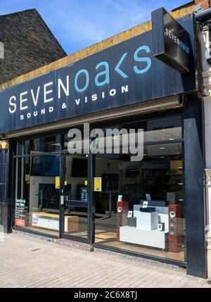 Bromley (Greater London), Kent, UK. Sevenoaks Sound & Vision store in East Street, Bromley.  A shop selling hi-fi, home cinema and televisions. - Stock Photo