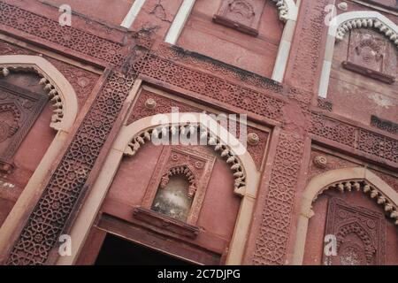 Closeup shot of Red fort in Agra, Facade during daytime