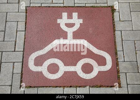 Floor marking, charging station for electric vehicles, Wilhelmshaven, Lower Saxony,
