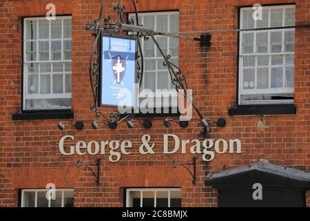 Front of the George & Dragon pub in Marlow High Street, UK - Stock Photo