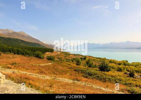 The view from Peters Lookout on Highway 80 over Lake Pukaki, leading Mt Cook in the background.
