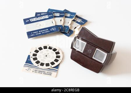 Viewmaster (or View-Master) model E bakelite 3D slide film reel viewer from the 1950s/60s with kodachrome film reels