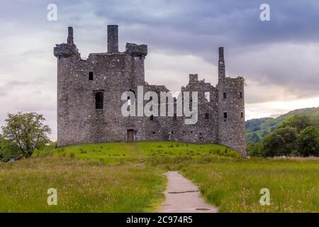 Kilchurn Castle, the ruins of a Scottish Castle at twlight on the banks of Loch Awe, Argyll, Scotland - Stock Photo
