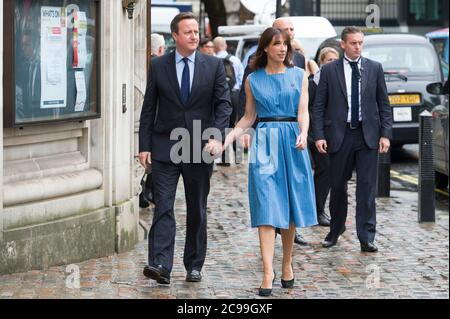 British Prime Minister David Cameron arriving with his wife Samantha to vote in the British referendum on whether to remain part of European Union or leave, Methodist Central Hall Westminster, London, UK.  23 Jun 2016 Stock Photo