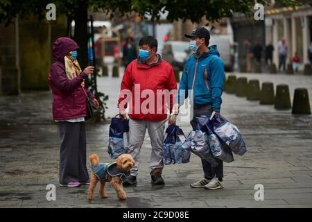 Edinburgh  Scotland, UK July  30 2020; Tourist return to the Royal Mile as lock down restriction are eased and life returns to the city. credit steven scott taylor / alamy live news - Stock Photo