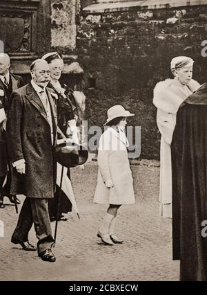 King George V (1865-1936) with Queen Consort Mary and grandaughter Elizabeth (future Elizabeth II born 21 April 1926) walking to Westminster Abbey  in 1934. - Stock Photo
