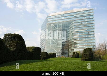 Germany, North-Rhine-Westphalia, Duesseldorf, Skyscraper, Stadttor - Stock Photo