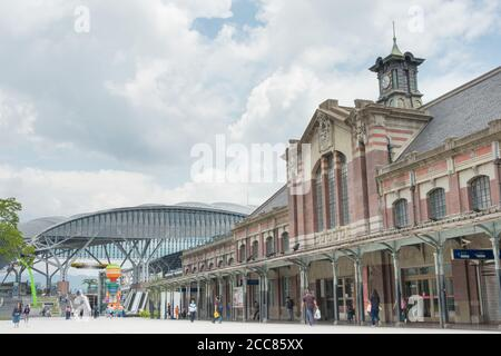 Taichung railway station (Old station) in Taichung, Taiwan. The station was Opened in 1905, and is classified as a National Tier 2 Historic Site. - Stock Photo