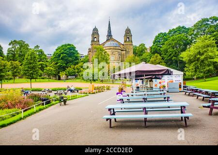 Edinburgh, Scotland 7th August 2020 Cafe and seating in the beautiul Princes Street Edinburgh - Stock Photo