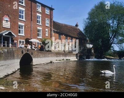 The Old Mill Hotel, restaurant & pub. West Harnham, Salisbury. Wiltshire. England. UK. Circa 1990's - Stock Photo