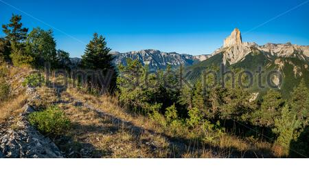 Trieves : view of the Mont Aiguille and the Hauts Plateaux du Vercors natural reserve from the Goutarou viewpont - Stock Photo