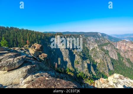 Taft Point lookout in Yosemite National Park, California, United States. The view from Taft Point: Yosemite Valley, El Capitan and Yosemite Falls Stock Photo