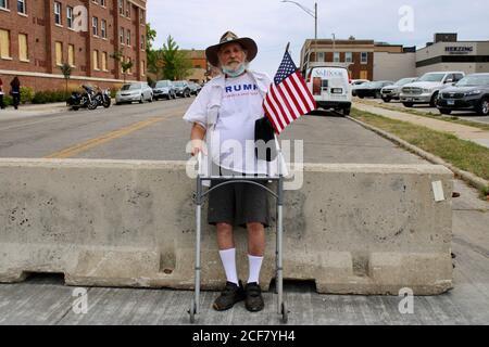 Kenosha, Wisconsin, USA. 1st Sep, 2020. Tump supporters wait for their hero Credit: Amy Katz/ZUMA Wire/Alamy Live News - Stock Photo