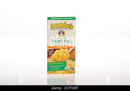 Annie's Organic Vegan Mac & creamy cheese like sauce