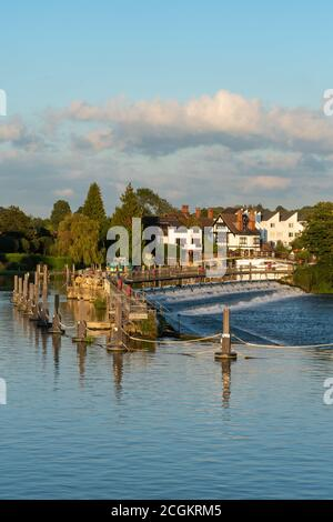 Marlow, a picturesque market town in Buckinghamshire, England, UK, on the River Thames. View of the weir. - Stock Photo
