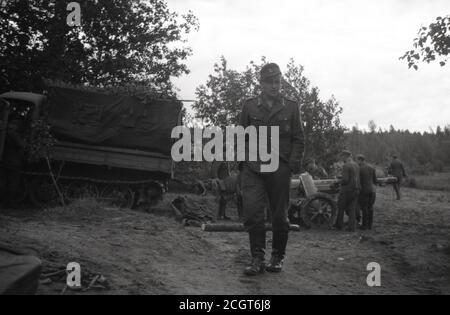 2. Weltkrieg Wehrmacht Heer Raupenschlepper Ost RSO mit Panzerabwehrkanone PAK 97/38 75 mm / 7,5 cm - 2nd World War / WW2 German Army Caterpillar Tractor East CTE / RSO with Anti-Tank Gun 97/38 75mm / 7,5cm - Stock Photo