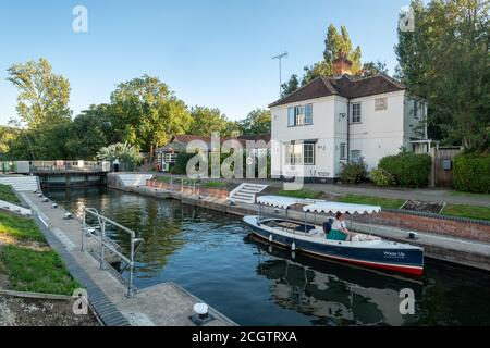 The lock at Marlow, a picturesque market town in Buckinghamshire, England, UK, on the River Thames - Stock Photo
