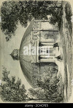. Les merveilles du nouveau Paris-- . premierConsulrouvrit les Gobelins. On y copia des tableaux de Gros, deGérard et de Girodet sous lEmpire, et des peintures deRubens sous la Restauration. En 1826, létablissement dela Savonnerie fut réuni à la manufacture des Gobelins.Depuis lors, cette dernière na cessé de travailler pourlameublement des différents châteaux de lÉtat, concur-remment avec létablissement de Beauvais, destiné aumême travail, excepté à la teinture, qui a toujours été faiteexclusivement aux Gobelins, sous lhabile direction deM. Chevreul. LÉcole militaire, près du champ de Mars es Stock Photo