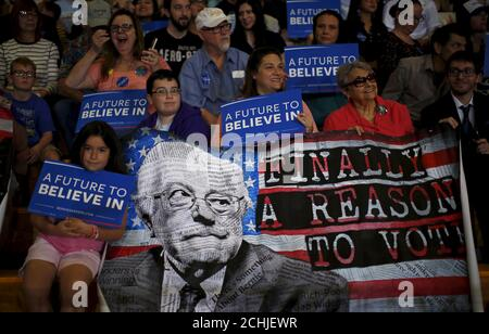 Supporters attend a campaign rally for U.S. Democratic presidential candidate Bernie Sanders in Las Vegas, Nevada, United States, February 14, 2016.   REUTERS/Jim Young - Stock Photo