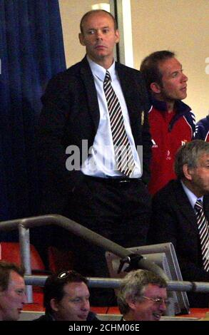 British and Irish Lions' coach Woodward watches from the stand during the test match against Argentina at the Millennium Stadium in Cardiff.  British and Irish Lions' coach Clive Woodward watches from the stand during the Rugby Union test match against Argentina at the Millennium Stadium in Cardiff, south Wales May 23, 2005. The match ended 25-25. REUTERS/Darren Staples - Stock Photo