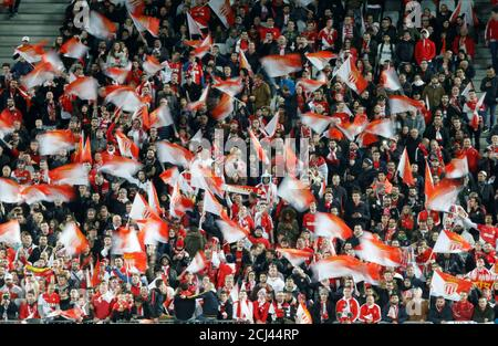 Soccer Football - Coupe de la Ligue Final - Paris St Germain vs AS Monaco - Matmut Atlantique Stadium, Bordeaux, France - March 31, 2018   AS Monaco fans before the match    REUTERS/Regis Duvignau - Stock Photo