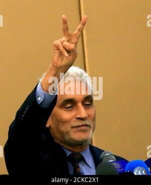 African Union mediator Mohamed El Hacen Lebatt flashes a victory sign as he attends a constitutional declaration  signing ceremony in Khartoum, Sudan August 4, 2019. REUTERS/Mohamed Nureldin Abdallah