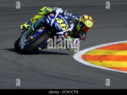 Yamaha MotoGP rider Valentino Rossi of Italy takes a curve during the Valencia Motorcycle Grand Prix at the Ricardo Tormo racetrack in Cheste, near Valencia, November 8, 2015. Spain's Jorge Lorenzo won the MotoGP world championship after finishing first in the final race of the season in Valencia on Sunday and overtaking Valentino Rossi in the points table. REUTERS/Heino Kalis - Stock Photo