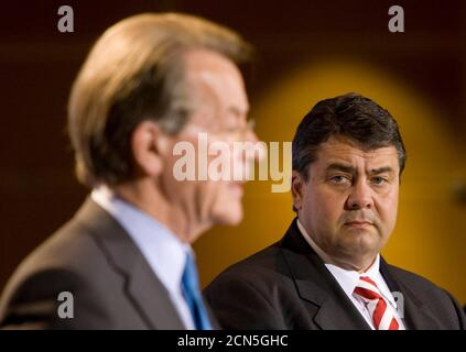 Outgoing leader of Germany's Social Democratic Party (SPD) Franz Muentefering (L) and Sigmar Gabriel attend a news conference after the party board selected Gabriel as candidate for the party leadership in Berlin October 5, 2009.  REUTERS/Thomas Peter (GERMANY POLITICS) Stock Photo