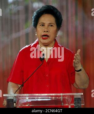 Philippine presidential candidate senator Miriam Santiago gestures during a presidential debate for the 2016 May elections at the University of Pangasinan in Dagupan City, Pangasinan in northern Philippines, in this picture taken April 24, 2016. REUTERS/Mark Balmores/Pool - Stock Photo