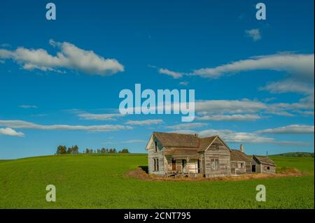 abandoned old weber farm house in whitman county in the palouse near pullman washington state usa with dark overcast skies stock photo alamy alamy