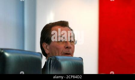 Outgoing leader of Germany's Social Democratic Party (SPD) Franz Muentefering attends a party leaders meeting in Berlin October 19, 2009.   REUTERS/Fabrizio Bensch (GERMANY) Stock Photo