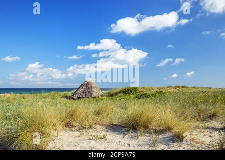 Thatched cottage on the beach in Wustrow, Fischland-Darß-Zingst, Mecklenburg-Western Pomerania, Germany, Europe Stock Photo