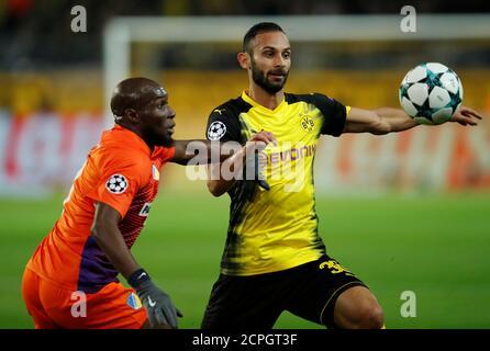 Borussia Dortmund's Omer Toprak Stock Photo - Alamy
