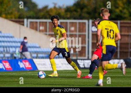 Oxford, UK. 19th Sep, 2020. Sean Clare of Oxford United looks for options during the Sky Bet League 1 behind closed doors match between Oxford United and Sunderland at the Kassam Stadium, Oxford, England on 19 September 2020. Photo by Nick Browning/PRiME Media Images. Credit: PRiME Media Images/Alamy Live News - Stock Photo