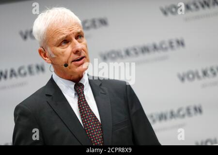 Volkswagen CEO Matthias Mueller speaks at the annual earnings news conference of VW in Berlin in Berlin, Germany, March 13, 2018. REUTERS/Hannibal Hanschke - Stock Photo